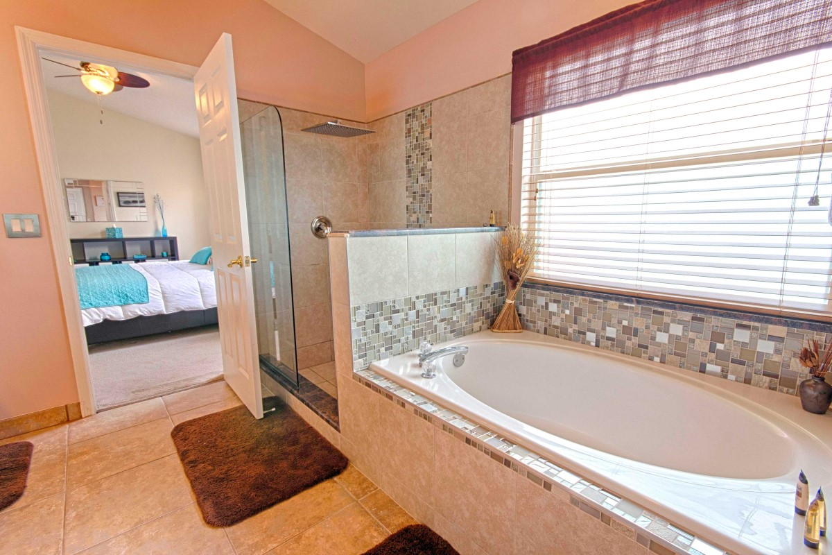 4 bathrooms Serendipity at Indian Creek
