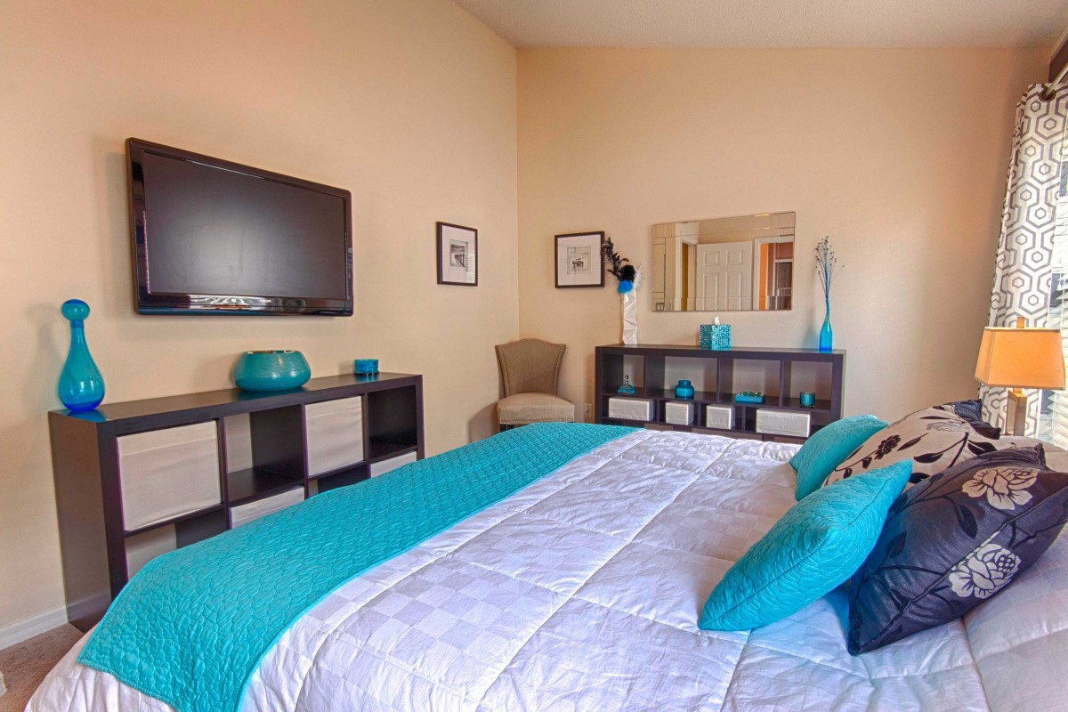 All bedrooms with TVs Orlando