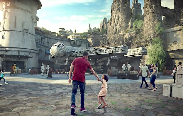 Annual Passholders Perks: Star Wars: Galaxy's Edge Previews