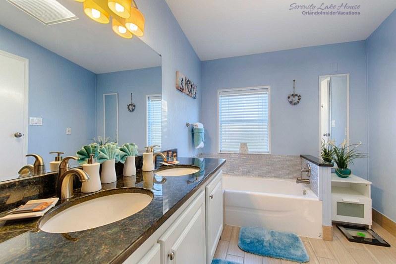 Bathroom Vanities Kissimmee serenity lake house - lake view rental home, orlando